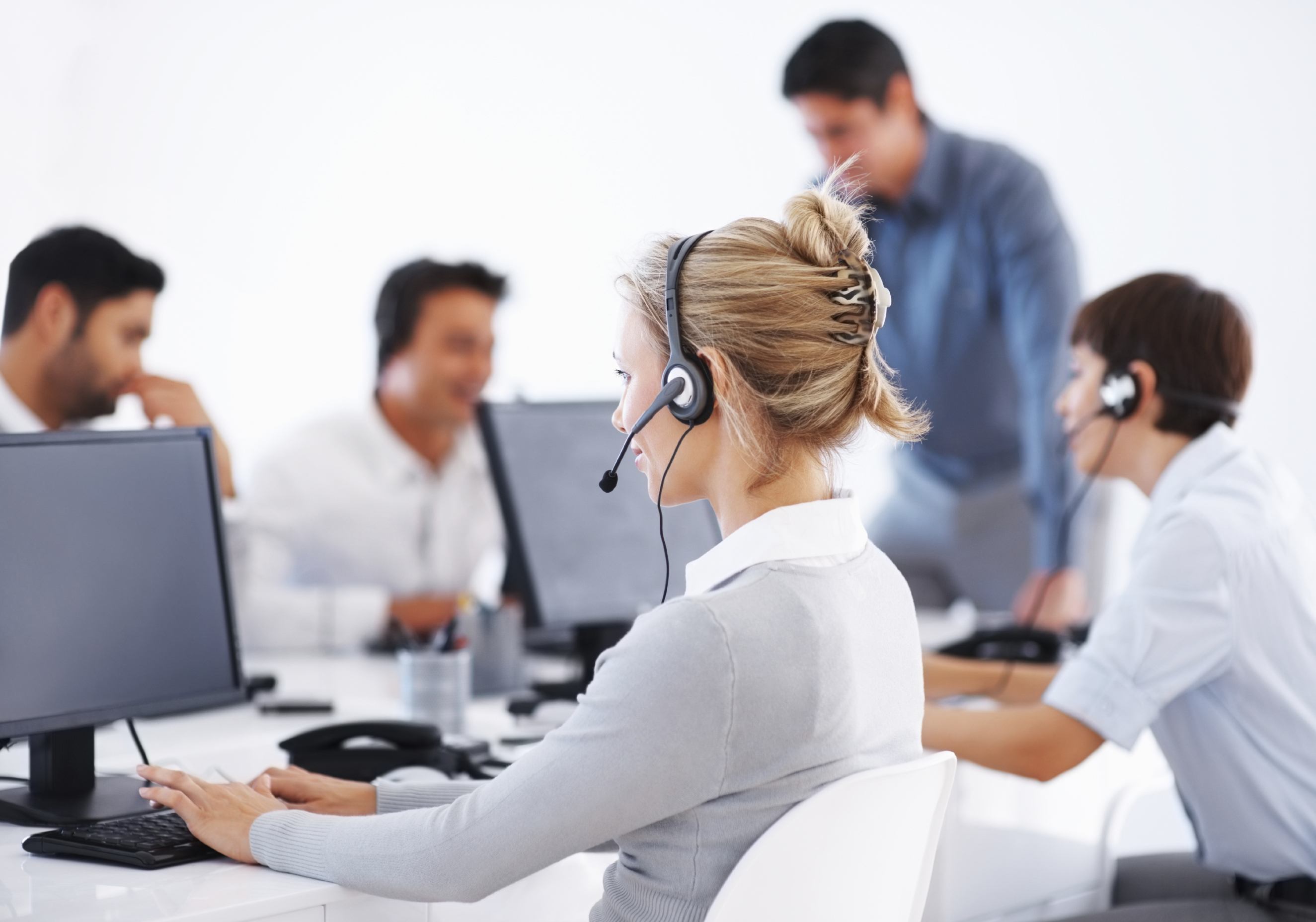 V1 VoIP saves call centers money on termination voice traffic minutes